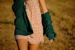cardigan-girl-green-summer-tan-Favim_com-349692