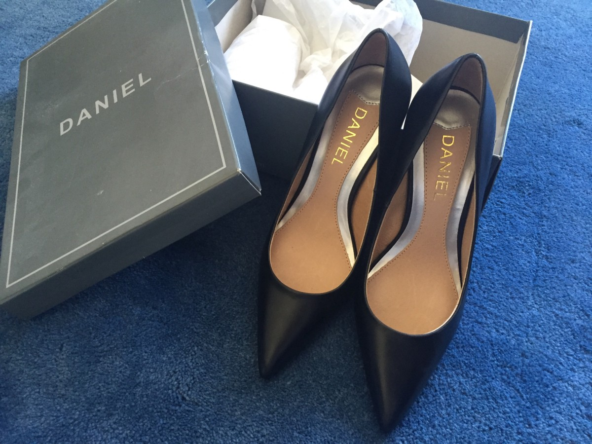 Daniel Footwear – Black Court Shoe